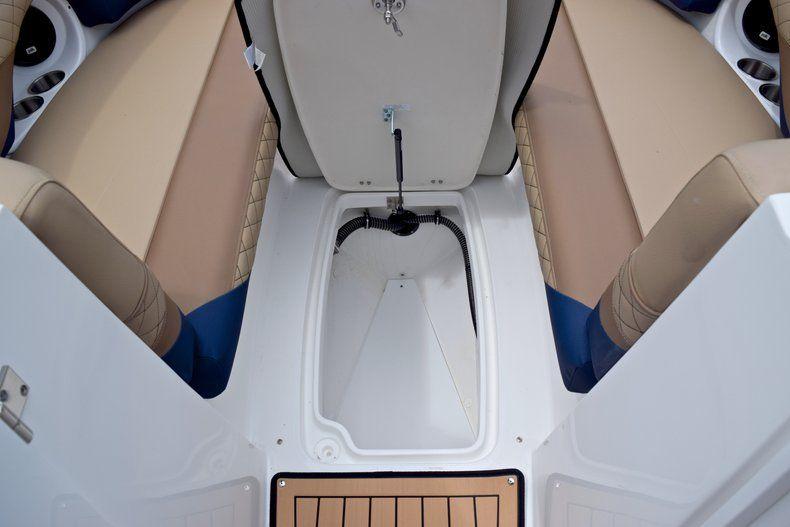 Thumbnail 47 for New 2019 Hurricane SunDeck SD 2690 OB boat for sale in Vero Beach, FL