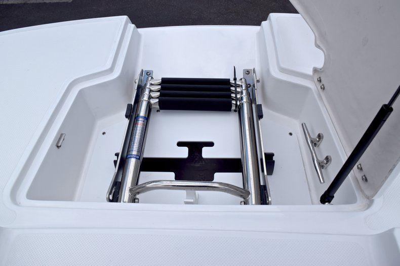 Thumbnail 55 for New 2019 Hurricane SunDeck SD 2690 OB boat for sale in Vero Beach, FL