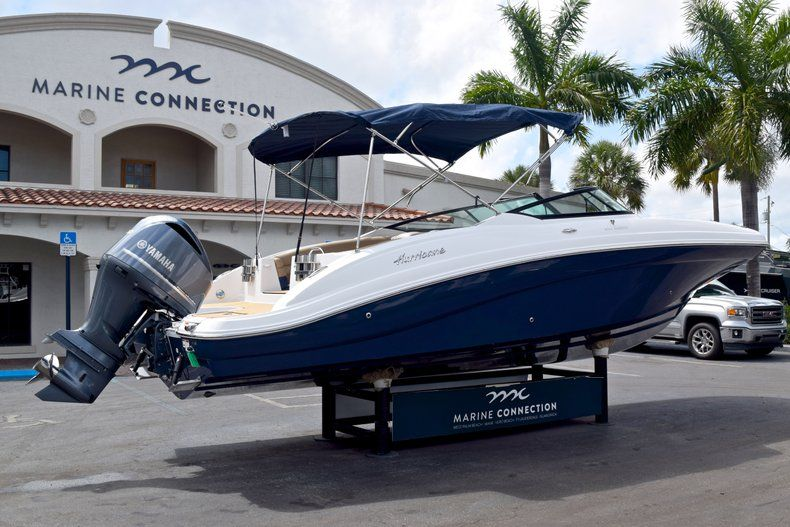 Image 7 for 2019 Hurricane SunDeck SD 2690 OB in West Palm Beach, FL
