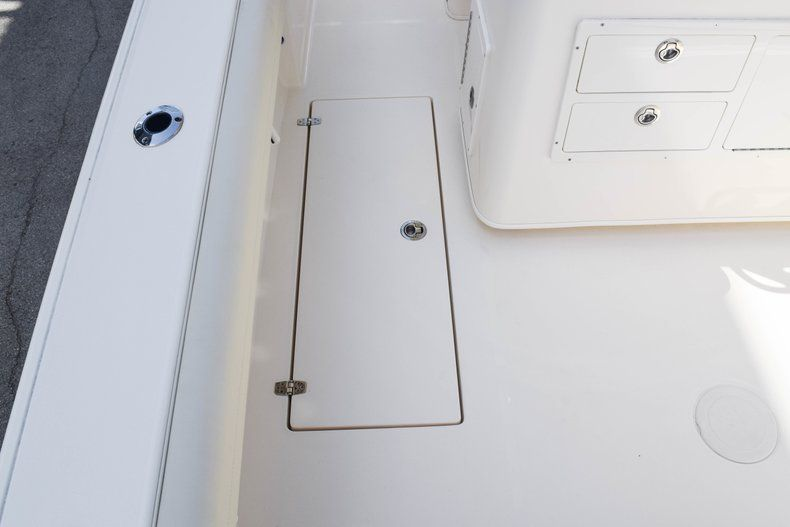 Thumbnail 13 for New 2019 Cobia 277 Center Console boat for sale in Fort Lauderdale, FL