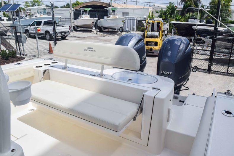 Thumbnail 10 for New 2019 Cobia 277 Center Console boat for sale in Fort Lauderdale, FL