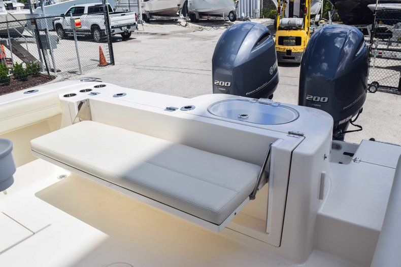 Thumbnail 9 for New 2019 Cobia 277 Center Console boat for sale in Fort Lauderdale, FL