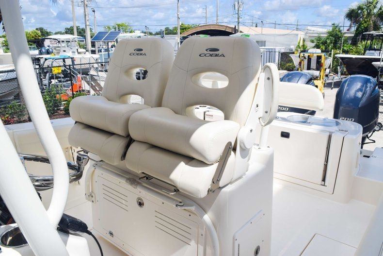 Thumbnail 33 for New 2019 Cobia 277 Center Console boat for sale in Fort Lauderdale, FL