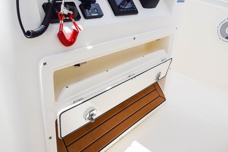Thumbnail 32 for New 2019 Cobia 277 Center Console boat for sale in Fort Lauderdale, FL