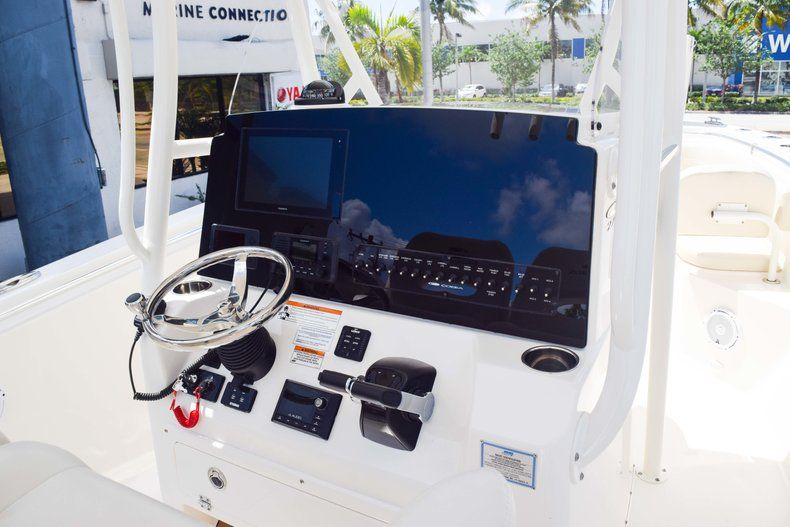 Thumbnail 23 for New 2019 Cobia 277 Center Console boat for sale in Fort Lauderdale, FL