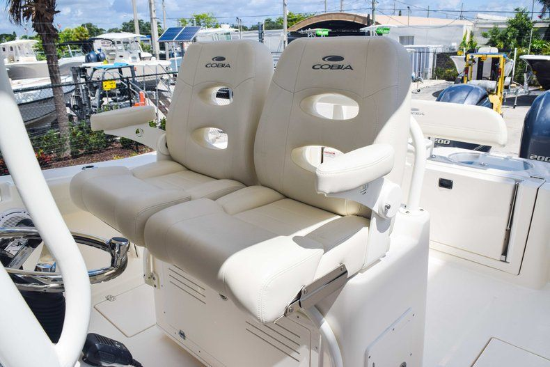 Thumbnail 34 for New 2019 Cobia 277 Center Console boat for sale in Fort Lauderdale, FL
