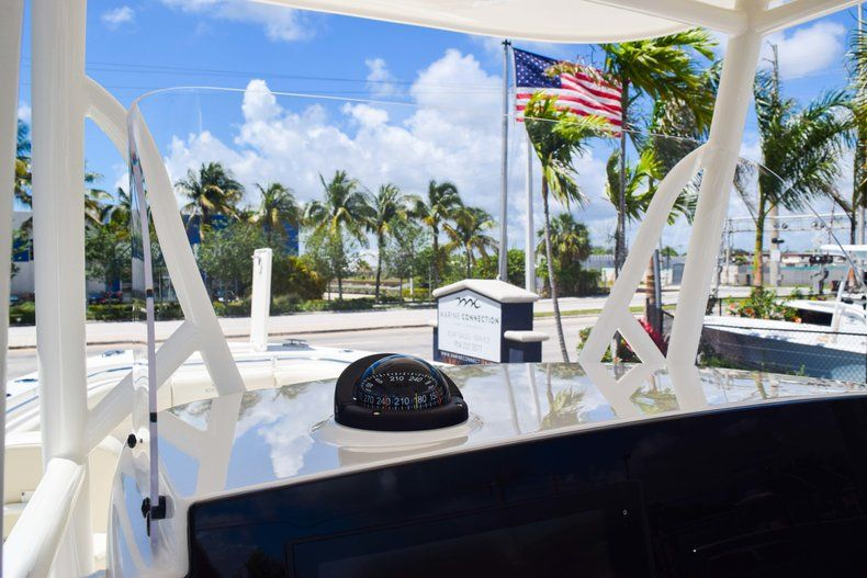 Thumbnail 40 for New 2019 Cobia 277 Center Console boat for sale in Fort Lauderdale, FL
