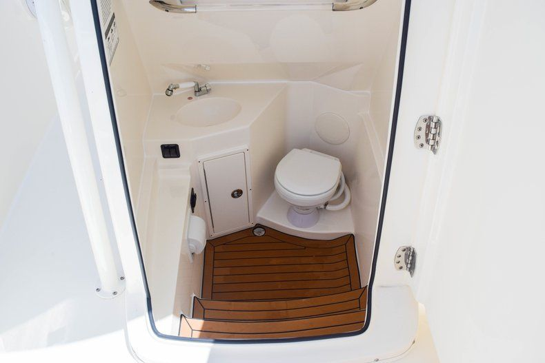 Thumbnail 57 for New 2019 Cobia 277 Center Console boat for sale in Fort Lauderdale, FL