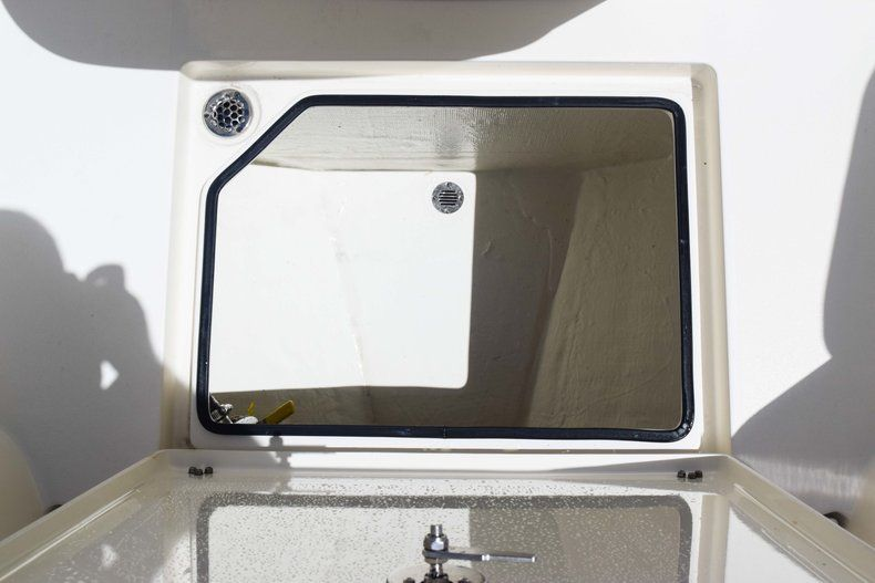 Thumbnail 54 for New 2019 Cobia 277 Center Console boat for sale in Fort Lauderdale, FL