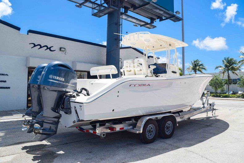 Thumbnail 7 for New 2019 Cobia 277 Center Console boat for sale in Fort Lauderdale, FL