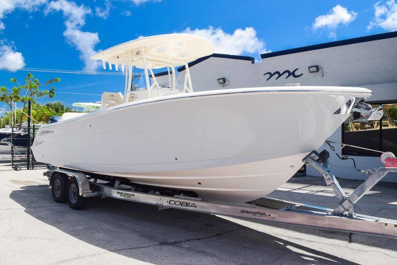Thumbnail 1 for New 2019 Cobia 277 Center Console boat for sale in Fort Lauderdale, FL