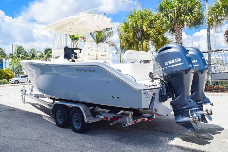 Thumbnail 5 for New 2019 Cobia 277 Center Console boat for sale in Fort Lauderdale, FL