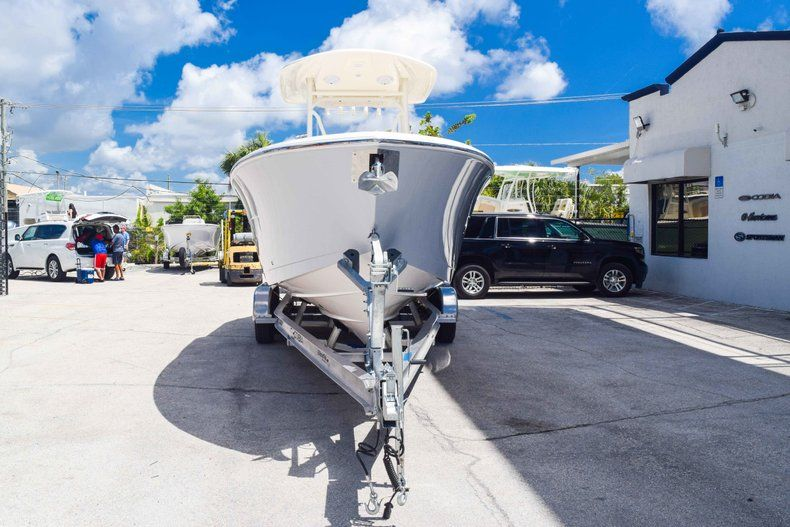 Thumbnail 2 for New 2019 Cobia 277 Center Console boat for sale in Fort Lauderdale, FL