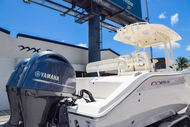 Thumbnail 8 for New 2019 Cobia 277 Center Console boat for sale in Fort Lauderdale, FL