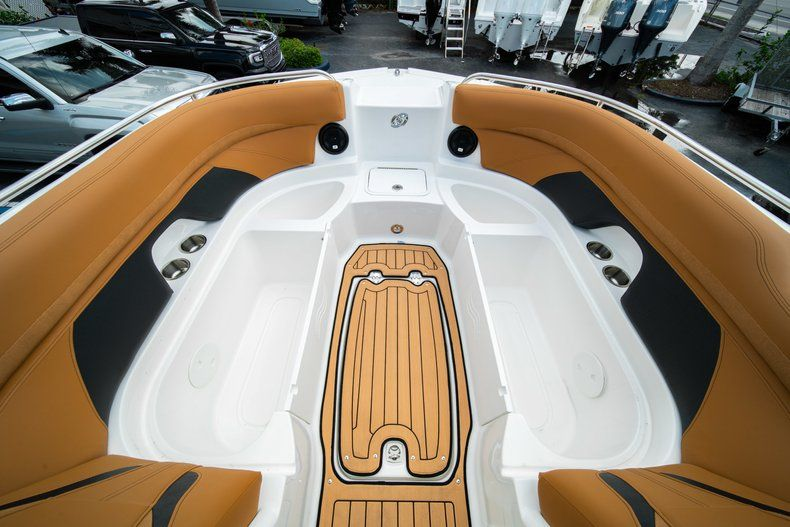 Thumbnail 31 for New 2019 Hurricane SunDeck SD 2400 OB boat for sale in Miami, FL