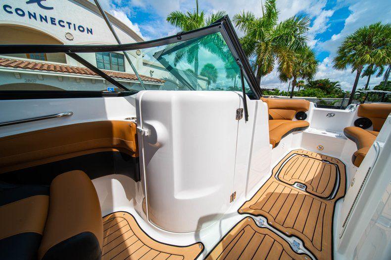 Thumbnail 21 for New 2019 Hurricane SunDeck SD 2400 OB boat for sale in Miami, FL