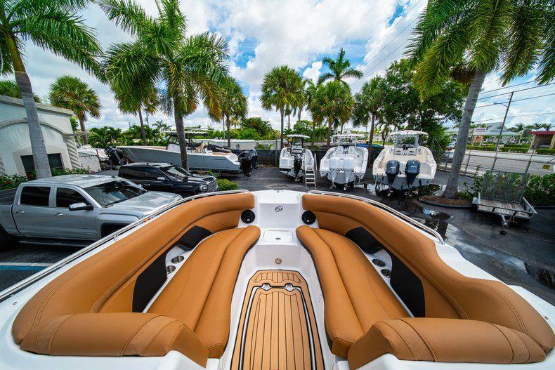 Thumbnail 29 for New 2019 Hurricane SunDeck SD 2400 OB boat for sale in Miami, FL