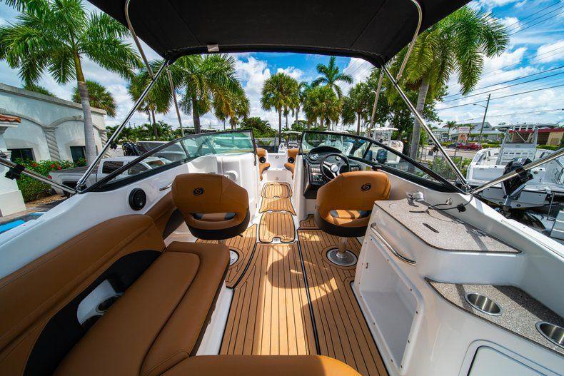 Thumbnail 8 for New 2019 Hurricane SunDeck SD 2400 OB boat for sale in Miami, FL