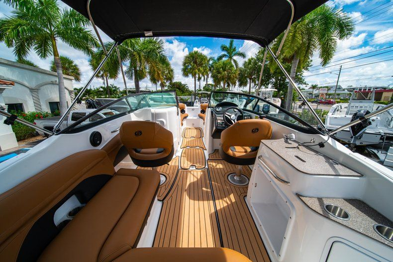 Thumbnail 8 for New 2019 Hurricane SD 2400 OB boat for sale in West Palm Beach, FL
