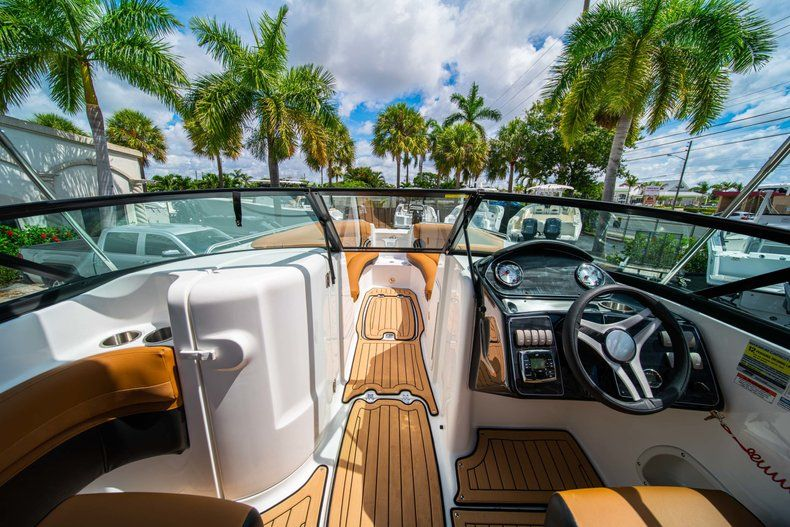 Thumbnail 23 for New 2019 Hurricane SunDeck SD 2400 OB boat for sale in Miami, FL
