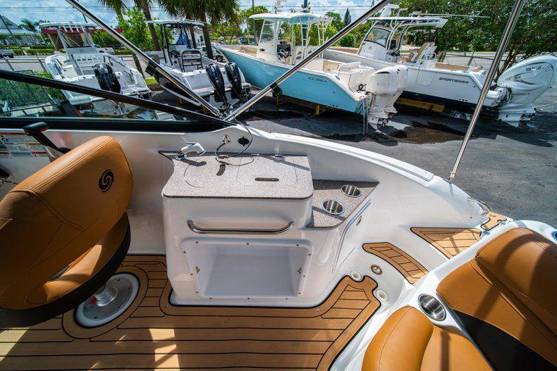 Thumbnail 9 for New 2019 Hurricane SunDeck SD 2400 OB boat for sale in Miami, FL