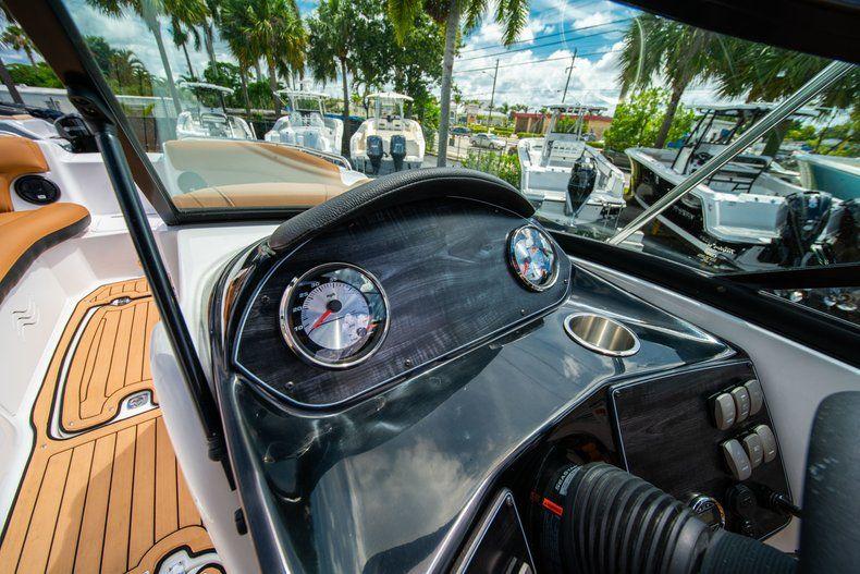Thumbnail 17 for New 2019 Hurricane SunDeck SD 2400 OB boat for sale in Miami, FL
