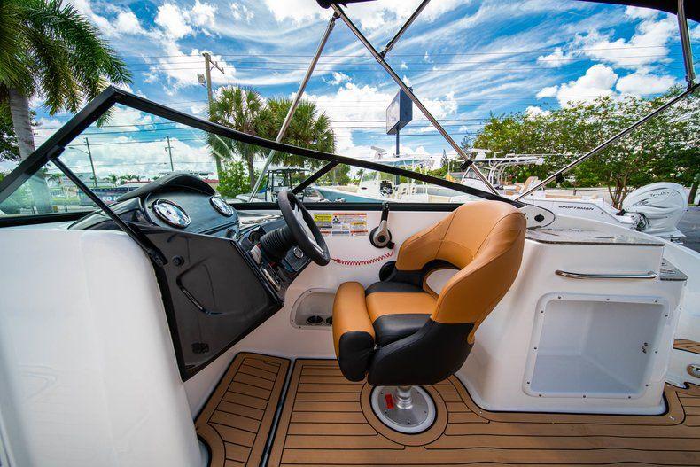 Thumbnail 18 for New 2019 Hurricane SunDeck SD 2400 OB boat for sale in Miami, FL