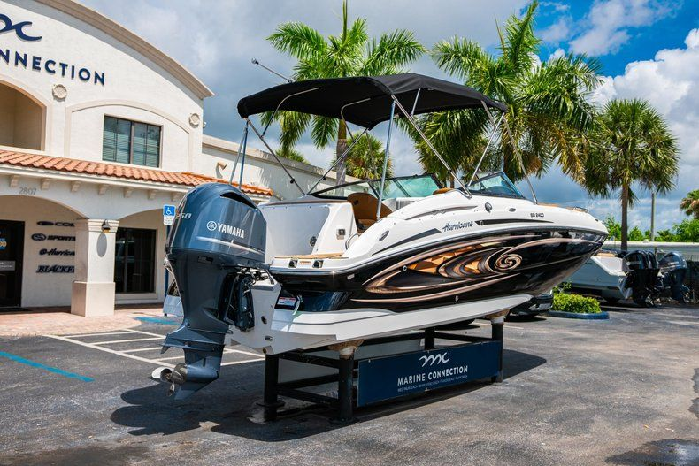 Thumbnail 7 for New 2019 Hurricane SunDeck SD 2400 OB boat for sale in Miami, FL