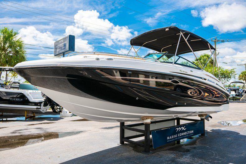 Thumbnail 3 for New 2019 Hurricane SunDeck SD 2400 OB boat for sale in Miami, FL