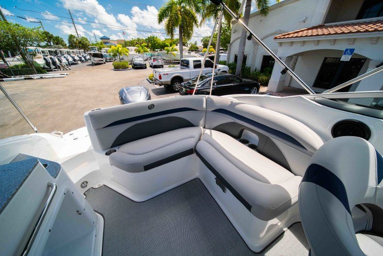 Thumbnail 9 for New 2019 Hurricane SunDeck SD 2400 OB boat for sale in West Palm Beach, FL