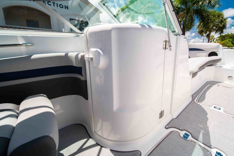 Thumbnail 17 for New 2019 Hurricane SunDeck SD 2400 OB boat for sale in West Palm Beach, FL