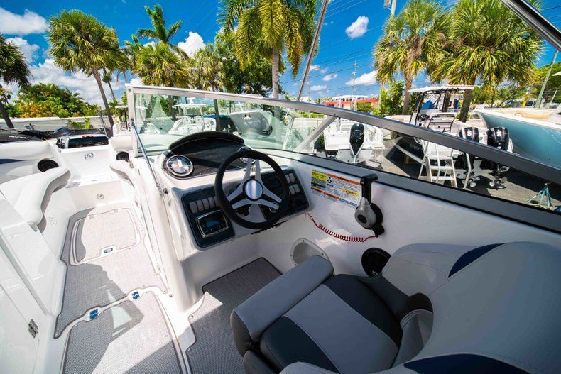 Thumbnail 19 for New 2019 Hurricane SunDeck SD 2400 OB boat for sale in West Palm Beach, FL