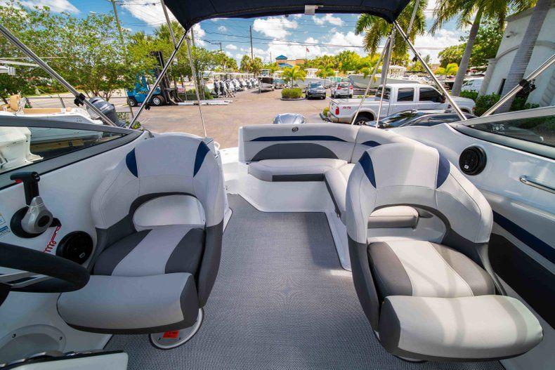 Thumbnail 22 for New 2019 Hurricane SunDeck SD 2400 OB boat for sale in Vero Beach, FL
