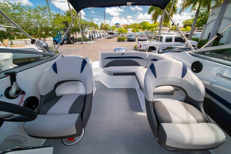 Thumbnail 22 for New 2019 Hurricane SunDeck SD 2400 OB boat for sale in West Palm Beach, FL