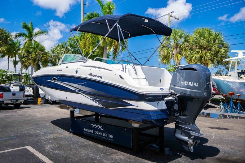 Thumbnail 5 for New 2019 Hurricane SunDeck SD 2400 OB boat for sale in West Palm Beach, FL