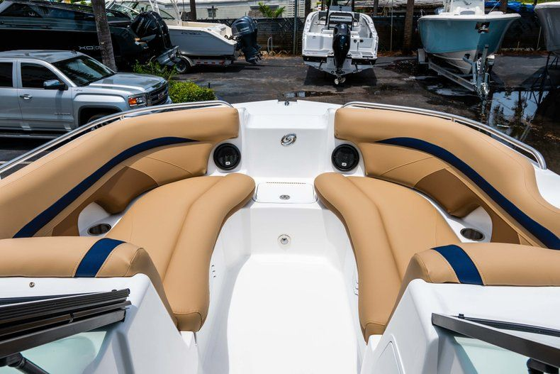 Thumbnail 32 for New 2019 Hurricane SD 2200 OB boat for sale in Fort Lauderdale, FL