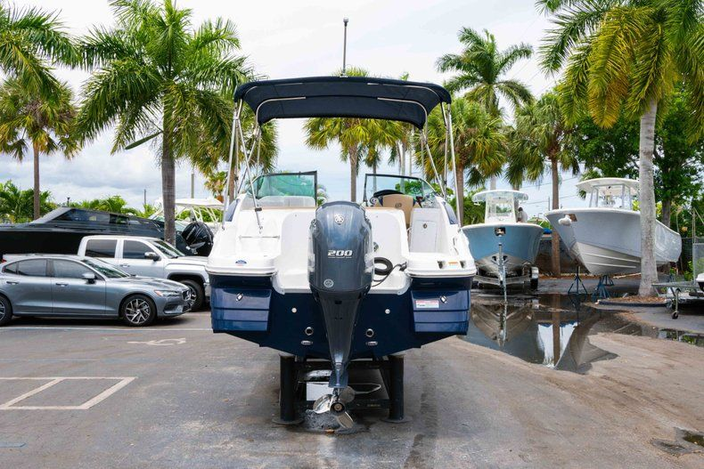 Thumbnail 6 for New 2019 Hurricane SD 2200 OB boat for sale in Fort Lauderdale, FL