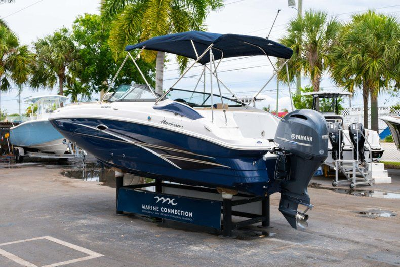 Thumbnail 5 for New 2019 Hurricane SD 2200 OB boat for sale in Fort Lauderdale, FL