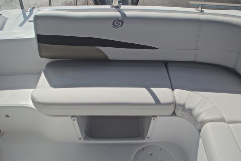 Thumbnail 14 for New 2017 Hurricane SunDeck Sport SS 188 OB boat for sale in West Palm Beach, FL