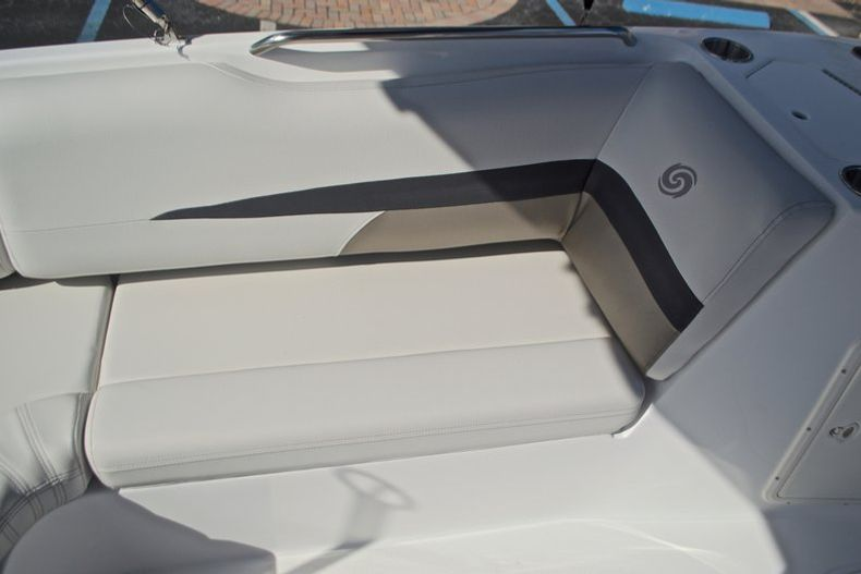 Thumbnail 16 for New 2017 Hurricane SunDeck Sport SS 188 OB boat for sale in West Palm Beach, FL