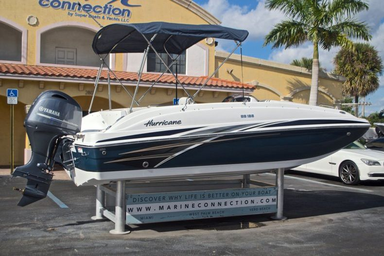 Thumbnail 7 for New 2017 Hurricane SunDeck Sport SS 188 OB boat for sale in West Palm Beach, FL
