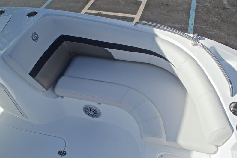 Thumbnail 32 for New 2017 Hurricane SunDeck Sport SS 188 OB boat for sale in West Palm Beach, FL