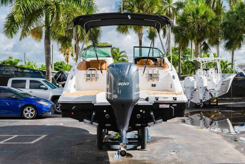 Thumbnail 6 for New 2019 Hurricane SunDeck SD 2690 OB boat for sale in West Palm Beach, FL