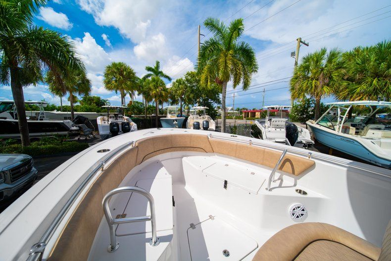 Thumbnail 37 for New 2019 Sportsman Open 232 Center Console boat for sale in Miami, FL