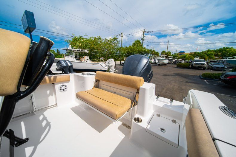 Thumbnail 16 for New 2019 Sportsman Open 232 Center Console boat for sale in Miami, FL