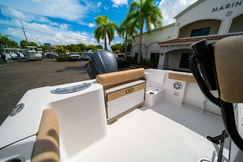 Thumbnail 11 for New 2019 Sportsman Open 232 Center Console boat for sale in Miami, FL
