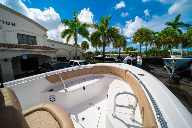 Thumbnail 34 for New 2019 Sportsman Open 232 Center Console boat for sale in Miami, FL