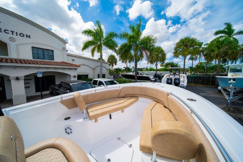Thumbnail 33 for New 2019 Sportsman Open 232 Center Console boat for sale in Miami, FL