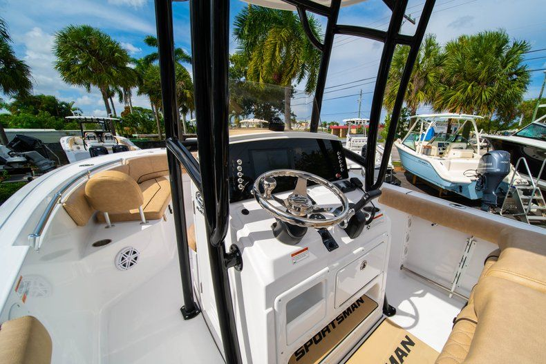 Thumbnail 24 for New 2019 Sportsman Open 232 Center Console boat for sale in Miami, FL