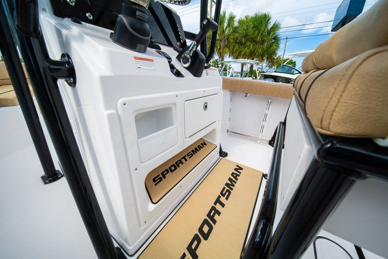 Thumbnail 31 for New 2019 Sportsman Open 232 Center Console boat for sale in Miami, FL